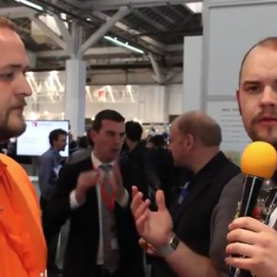 A Quick Look at Ubuntu for Android at MWC – XDA TV