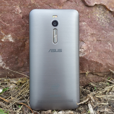 ZenFone 2 Review: Cheap, Fast, Big, Flawed