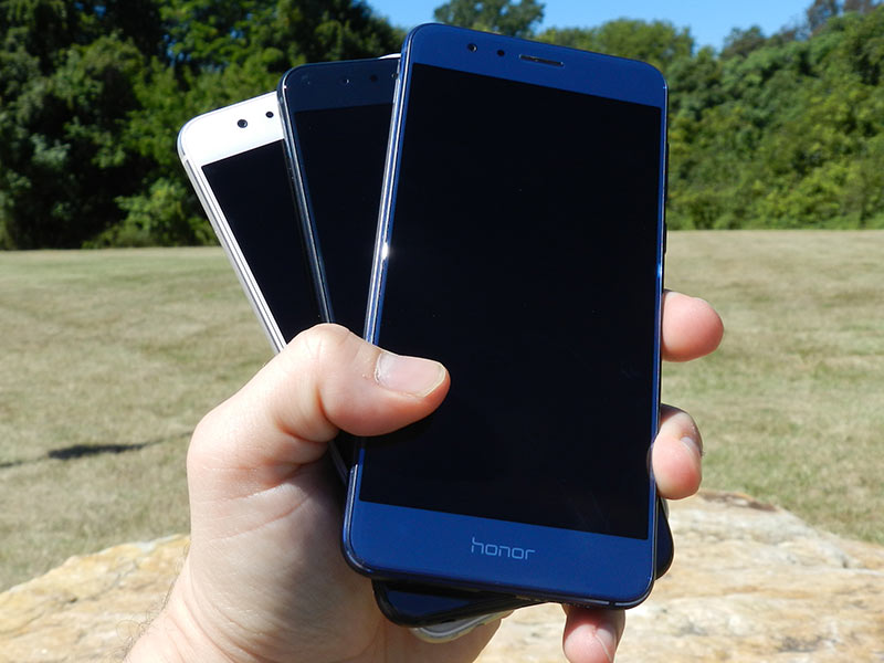 xda-developers: Honor 8 in Pictures: Blue, Black and White