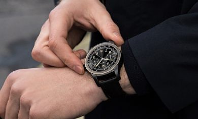 """Editorial: """"Luxury"""" Brands Reinvigorate a Waning Android Wear as Tech OEMs Missed Their Target"""
