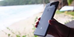 The Pixel 2 XL Has a Google Problem